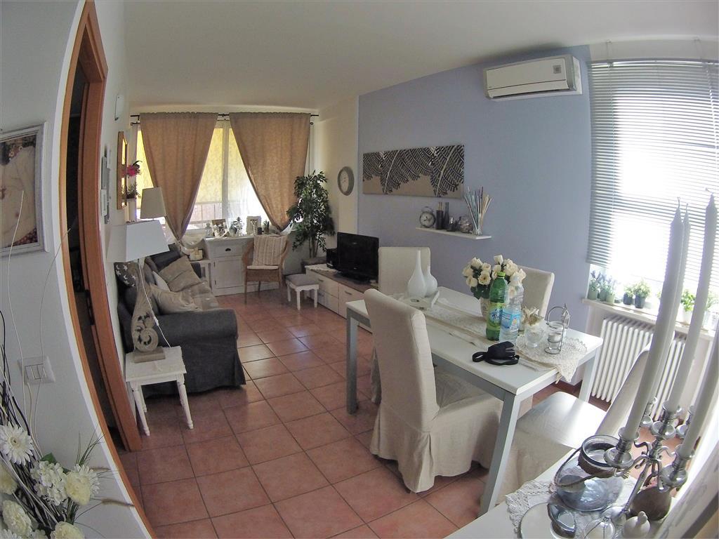 Appartamento in vendita a Cesena, 2 locali, zona Zona: CENTRO STORICO, prezzo € 125.000 | Cambio Casa.it