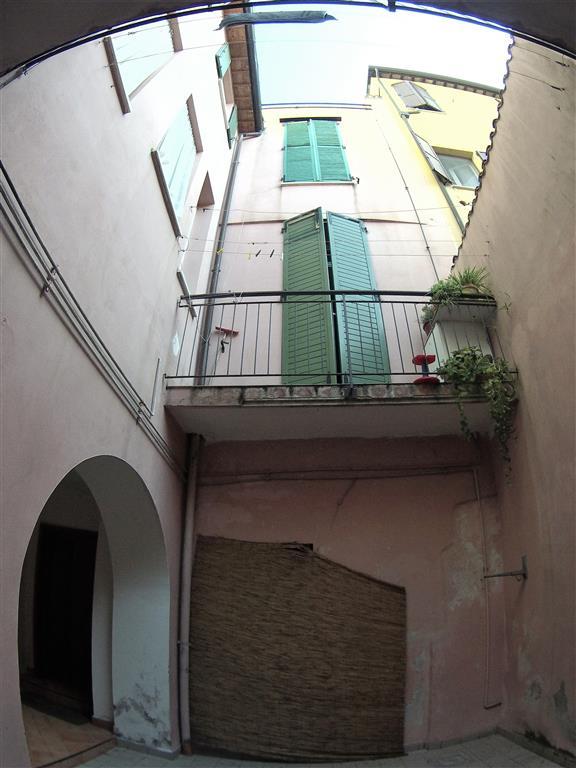 Palazzo / Stabile in vendita a Cesena, 10 locali, zona Zona: CENTRO STORICO, prezzo € 390.000 | Cambio Casa.it