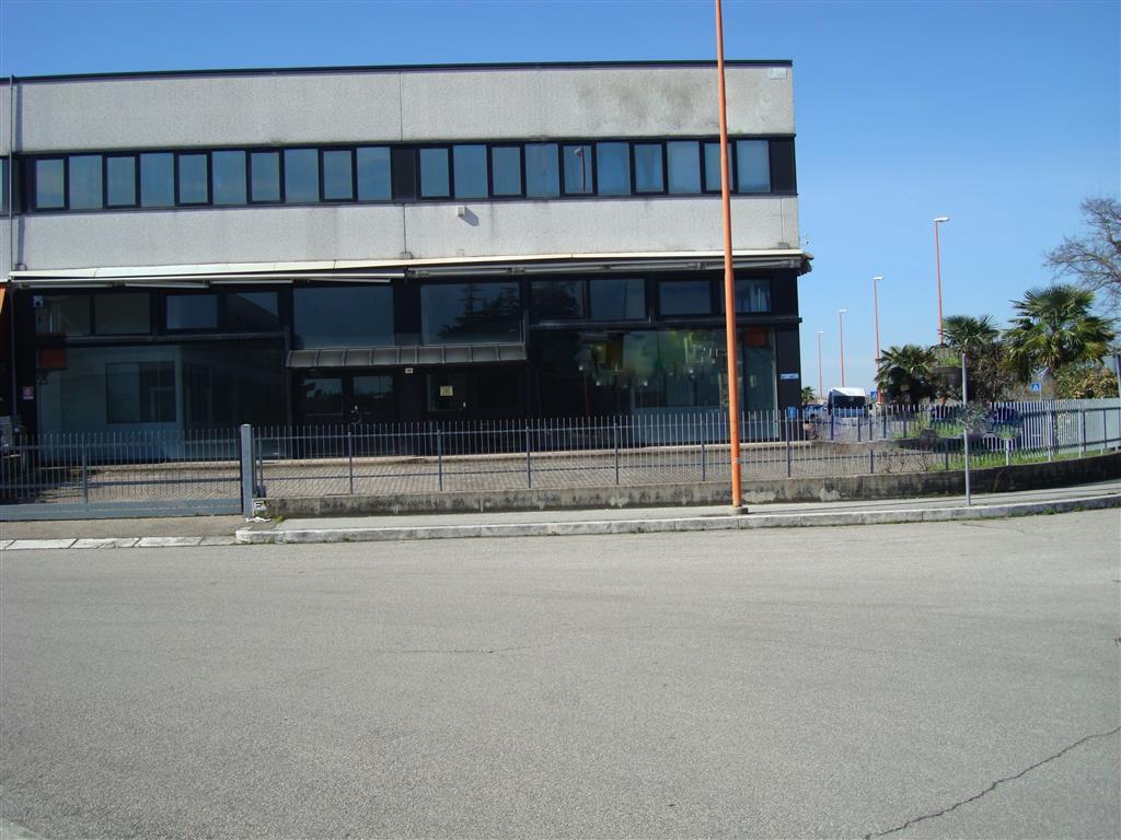 Immobile Commerciale in Vendita a Cesena