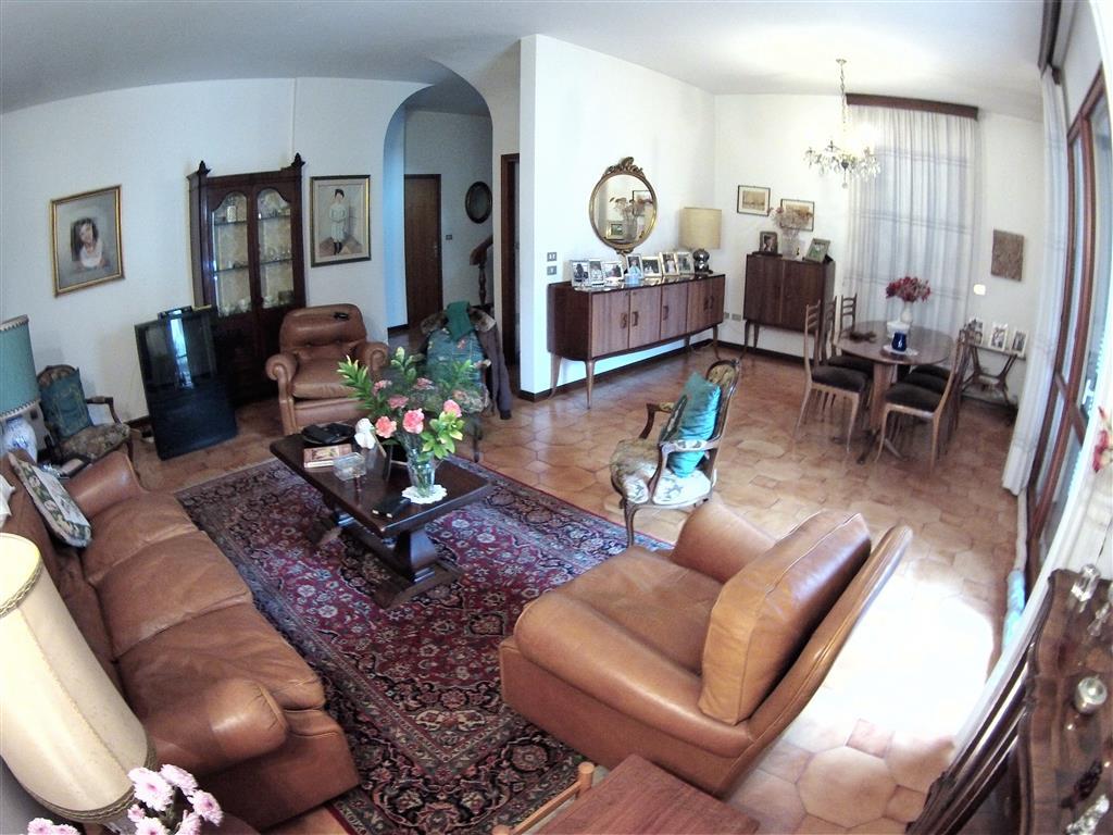 Soluzione Indipendente in vendita a Cesena, 6 locali, zona Zona: CENTRO STORICO, prezzo € 550.000   Cambio Casa.it