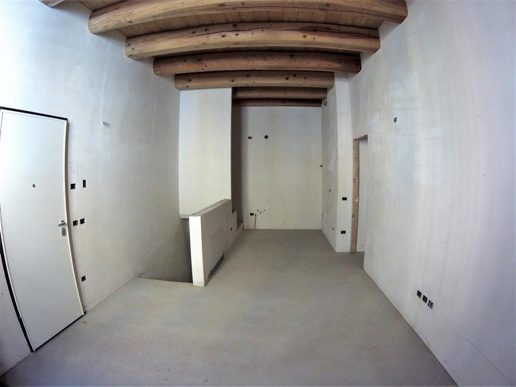 Appartamento in vendita a Cesena, 5 locali, zona Zona: CENTRO STORICO, prezzo € 270.000 | Cambio Casa.it