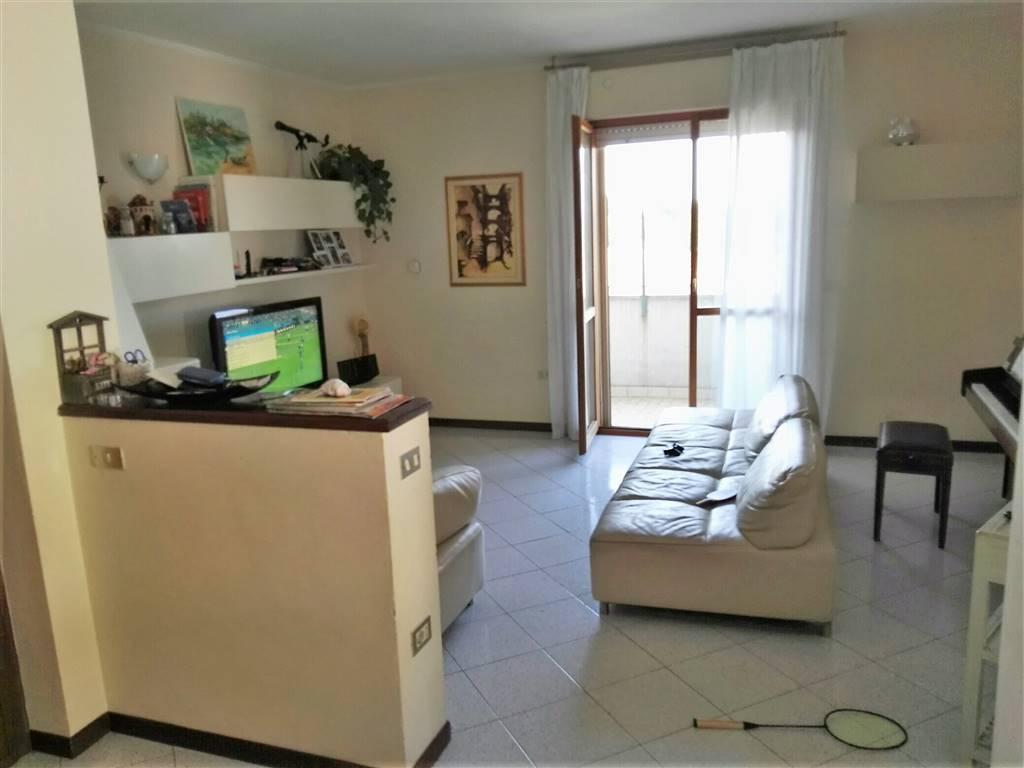 Appartamento in vendita a Cesena, 8 locali, zona Zona: Diegaro, prezzo € 230.000 | Cambio Casa.it