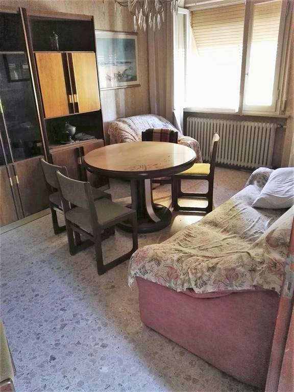 Soluzione Indipendente in vendita a Cesena, 6 locali, zona Zona: San Rocco, prezzo € 200.000   Cambio Casa.it