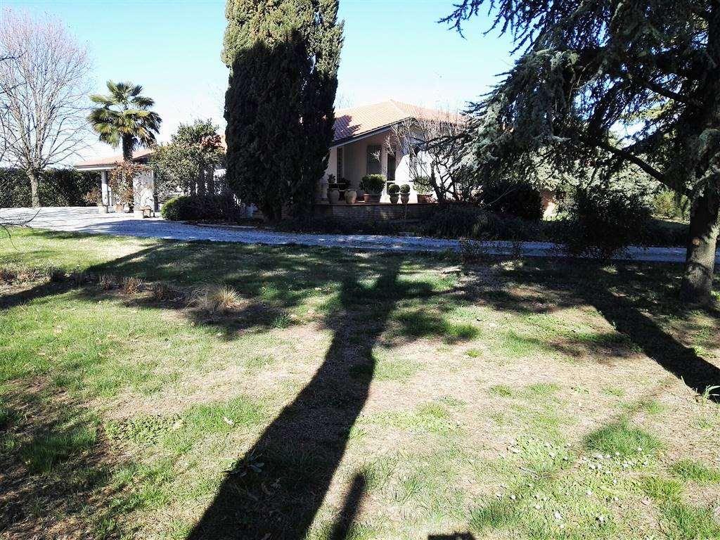 Villa in vendita a Cesena, 8 locali, zona Zona: Calabrina, prezzo € 420.000   Cambio Casa.it