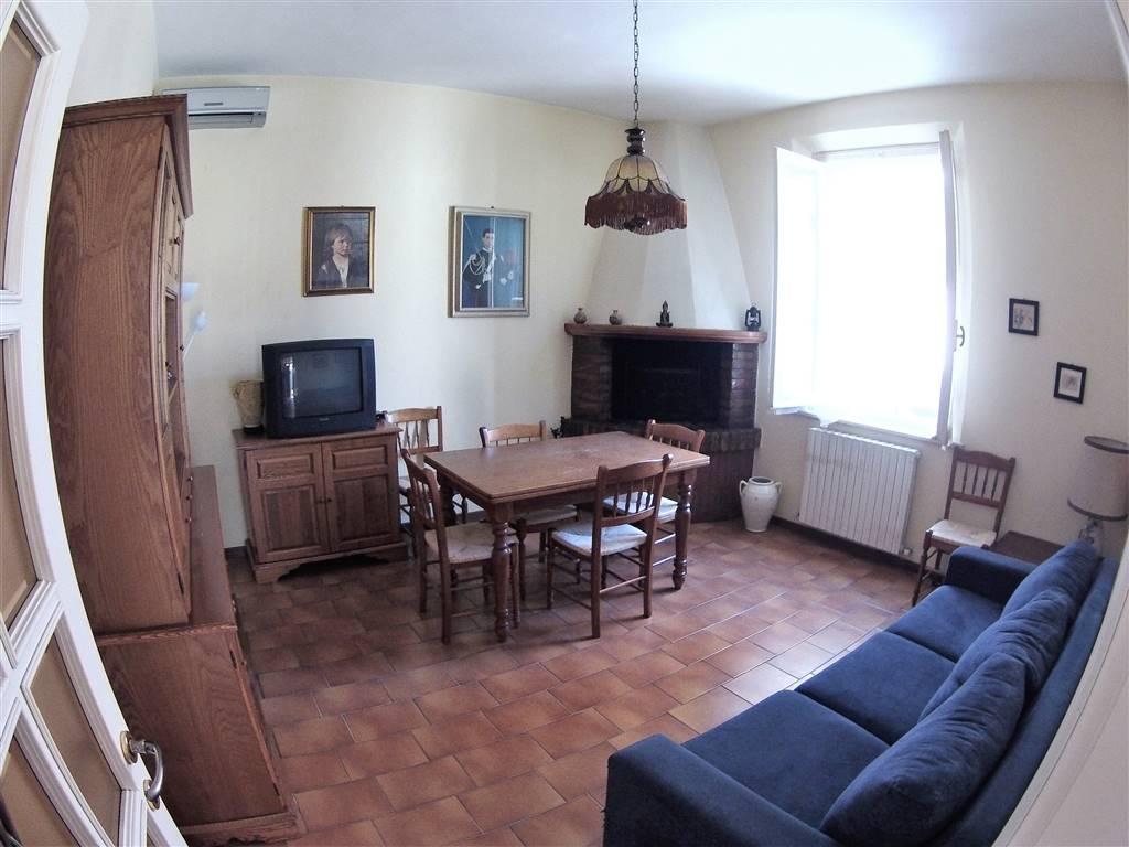 Soluzione Indipendente in vendita a Cesena, 6 locali, zona Zona: San Rocco, prezzo € 250.000   Cambio Casa.it