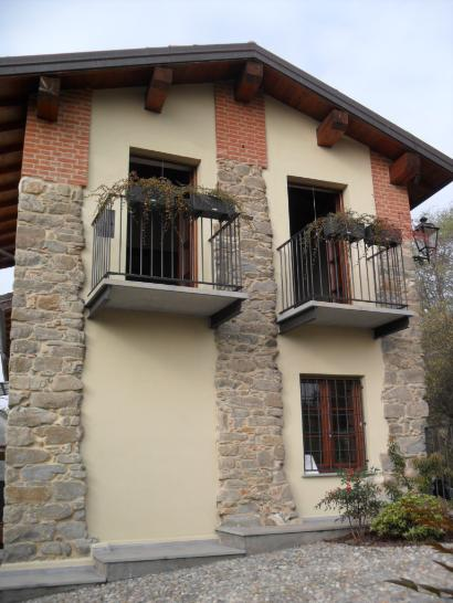 Soluzione Indipendente in vendita a Fortunago, 6 locali, Trattative riservate | CambioCasa.it