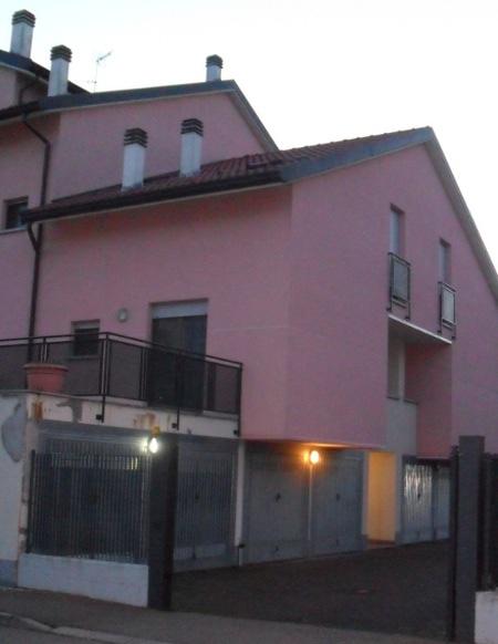 Appartamento in vendita a San Martino Siccomario, 5 locali, prezzo € 153.000 | CambioCasa.it