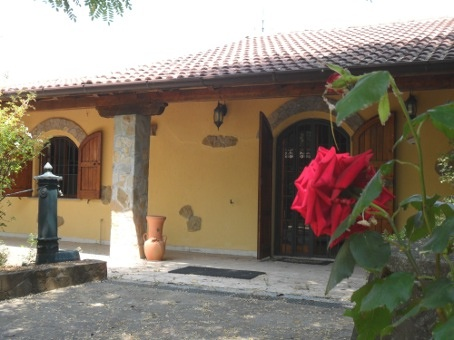 Villa vendita CAMINATA (PC) - 7 LOCALI - 180 MQ