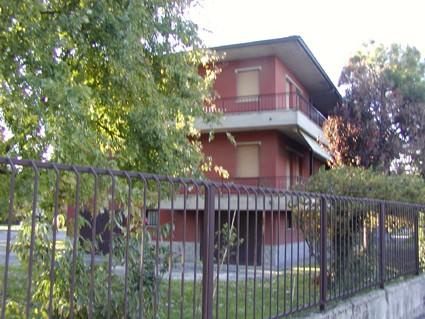 Appartamento in vendita a Broni, 9 locali, prezzo € 190.000 | Cambio Casa.it
