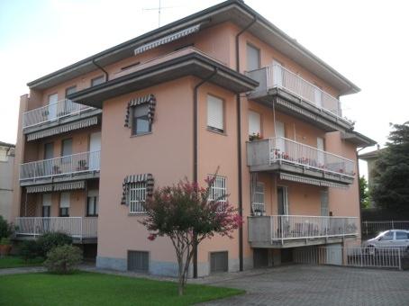 Appartamento in vendita a Casteggio, 7 locali, prezzo € 179.000 | Cambio Casa.it