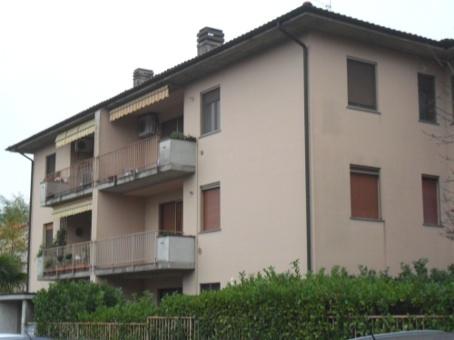 Appartamento in vendita a Pavia, 6 locali, zona Zona: S. Pietro - V.le Cremona, prezzo € 170.000 | Cambiocasa.it