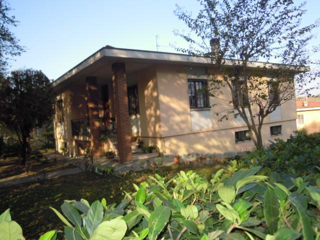 Villa in vendita a Stradella, 9 locali, prezzo € 315.000 | Cambio Casa.it