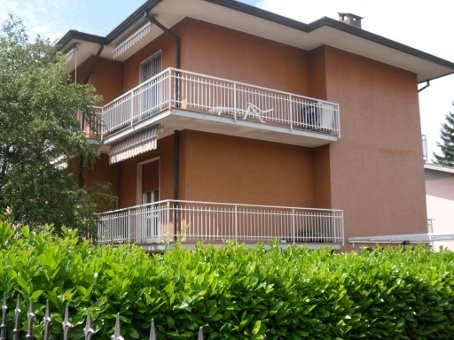 Appartamento in vendita a Broni, 5 locali, prezzo € 130.000 | CambioCasa.it