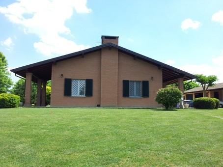 Villa in vendita a Broni, 8 locali, zona Località: VESCOVERA, prezzo € 390.000 | Cambio Casa.it