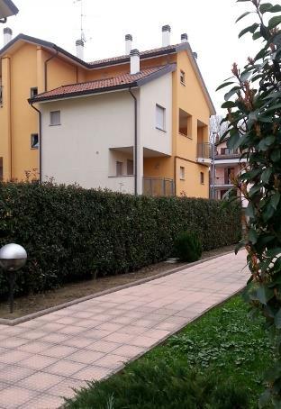 Soluzione Indipendente in vendita a San Martino Siccomario, 3 locali, prezzo € 78.000 | Cambio Casa.it