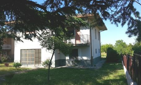 Villa in vendita a Castelletto di Branduzzo, 10 locali, zona Zona: Case Nuove, prezzo € 169.000 | Cambio Casa.it