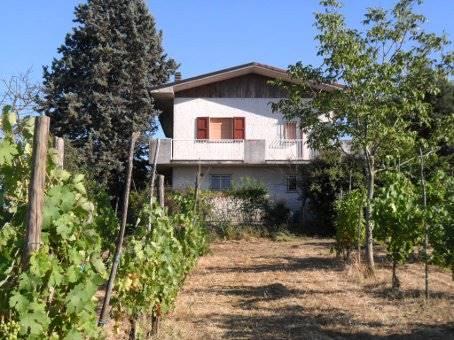 Villa in vendita a Montebello della Battaglia, 6 locali, zona Località: CASCINA CASTELFELICE, prezzo € 155.000 | CambioCasa.it