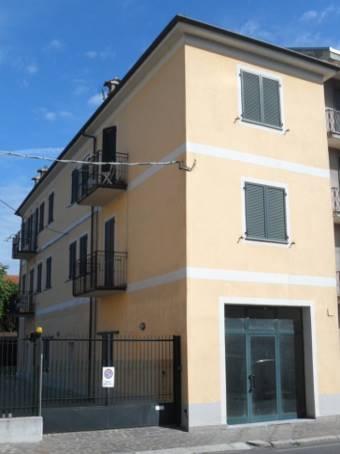 Appartamento in vendita a Casteggio, 4 locali, prezzo € 115.000 | Cambio Casa.it