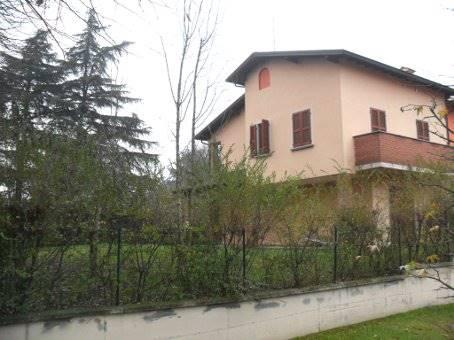 Villa in vendita a Stradella, 8 locali, prezzo € 250.000 | Cambio Casa.it