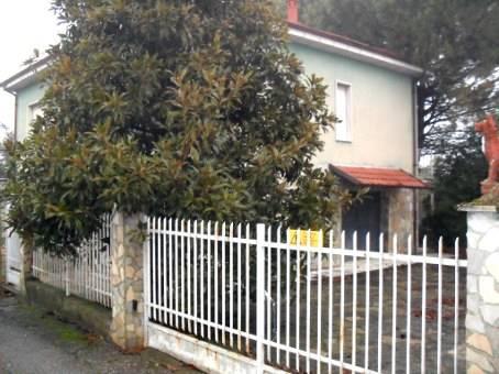 Soluzione Indipendente in vendita a Corvino San Quirico, 6 locali, zona Zona: Fumo, prezzo € 140.000 | CambioCasa.it