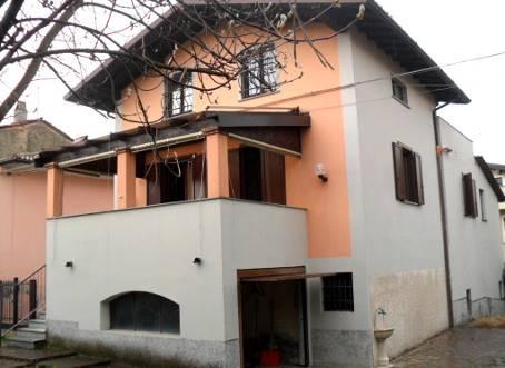 Soluzione Semindipendente in vendita a Zenevredo, 7 locali, zona Zona: Cassina Vecchia, prezzo € 160.000 | CambioCasa.it