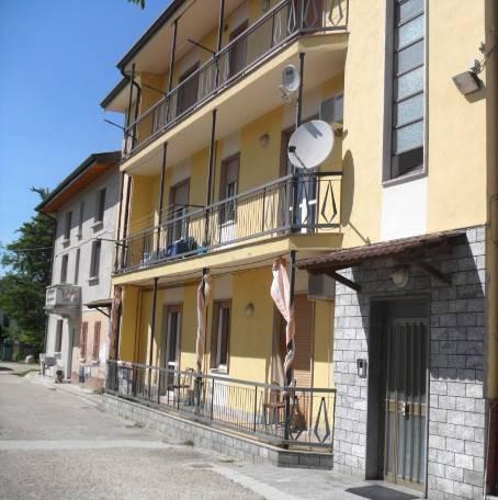 Appartamento in vendita a Broni, 6 locali, prezzo € 90.000 | CambioCasa.it