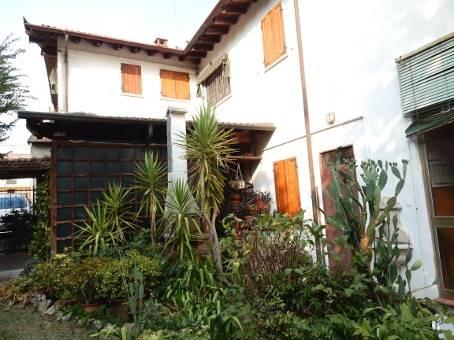 Soluzione Indipendente in vendita a Stradella, 12 locali, zona Zona: Casa Berni, prezzo € 297.000   CambioCasa.it