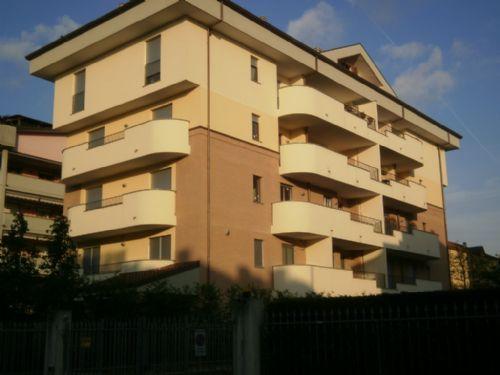 Appartamento in vendita a Monza, 4 locali, zona Zona: 1 . Centro Storico, San Gerardo, Via Lecco, prezzo € 300.000 | Cambiocasa.it