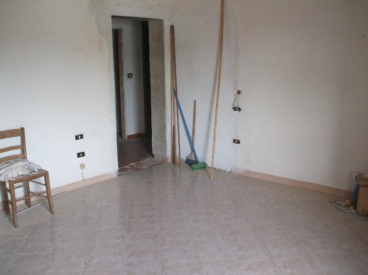 Appartamento in vendita a Figline e Incisa Valdarno, 3 locali, zona Località: CENTRO, prezzo € 105.000 | CambioCasa.it