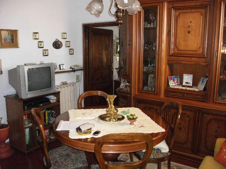Appartamento in vendita a Figline e Incisa Valdarno, 4 locali, zona Località: STAZIONE FERROVIARIA, prezzo € 135.000 | Cambio Casa.it