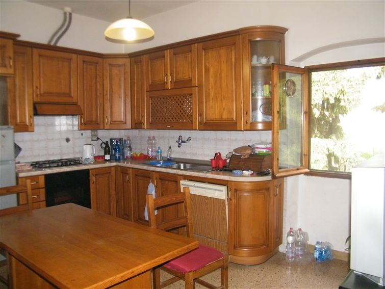 Soluzione Indipendente in vendita a Figline e Incisa Valdarno, 8 locali, zona Località: MATASSINO, prezzo € 160.000 | Cambio Casa.it