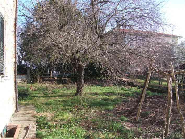 Soluzione Indipendente in vendita a Figline e Incisa Valdarno, 10 locali, zona Località: GAVILLE, prezzo € 250.000 | Cambio Casa.it