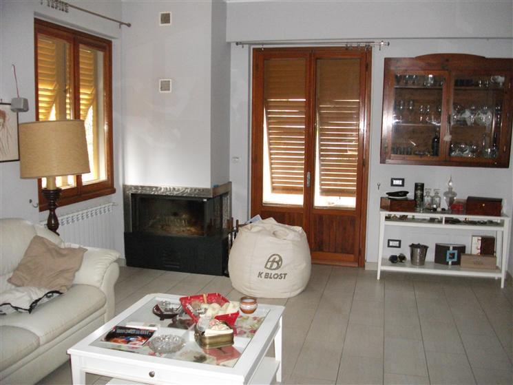 Appartamento in vendita a Castelfranco Piandiscò, 5 locali, prezzo € 275.000 | Cambio Casa.it