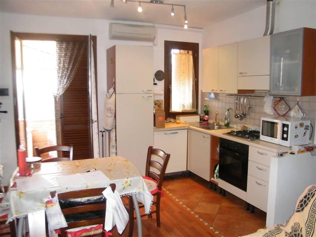 Appartamento in vendita a Cavriglia, 2 locali, prezzo € 130.000 | CambioCasa.it