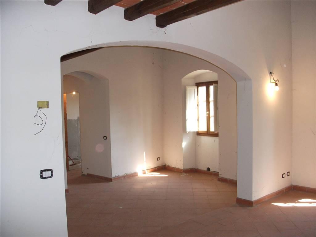 Appartamento in vendita a Castelfranco Piandiscò, 4 locali, zona Località: VAGGIO, prezzo € 230.000   CambioCasa.it
