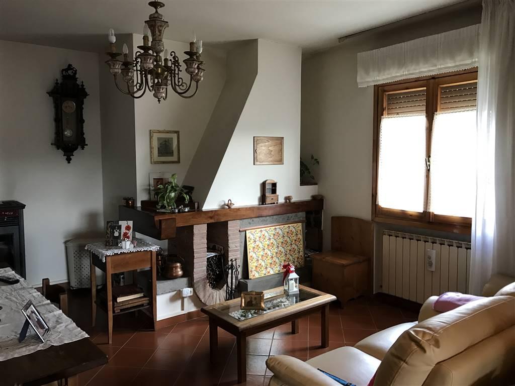 Appartamento in vendita a Bucine, 4 locali, prezzo € 215.000 | CambioCasa.it