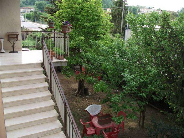 Villa in vendita a Figline e Incisa Valdarno, 5 locali, zona Località: Figline Valdarno, prezzo € 390.000 | CambioCasa.it