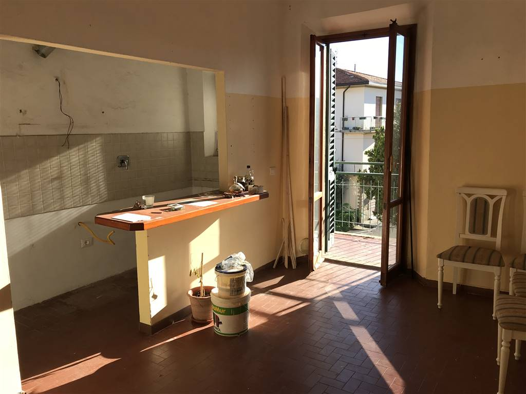 Soluzione Indipendente in vendita a Reggello, 7 locali, zona Zona: Cancelli, prezzo € 225.000 | CambioCasa.it