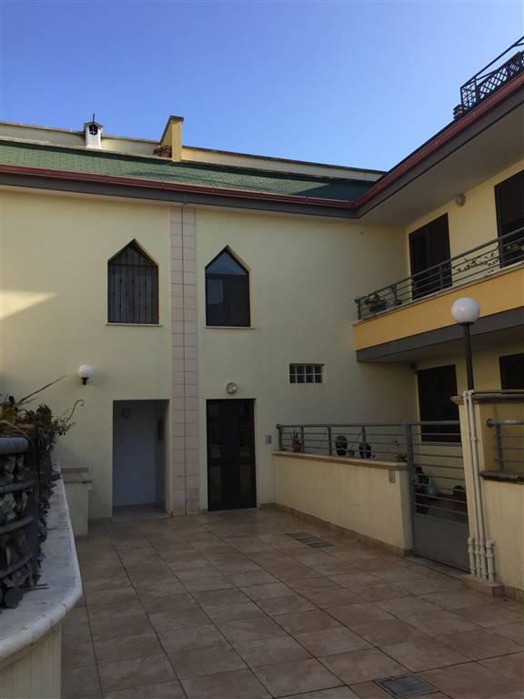 Appartamento in vendita a Lequile, 4 locali, prezzo € 148.000 | Cambio Casa.it