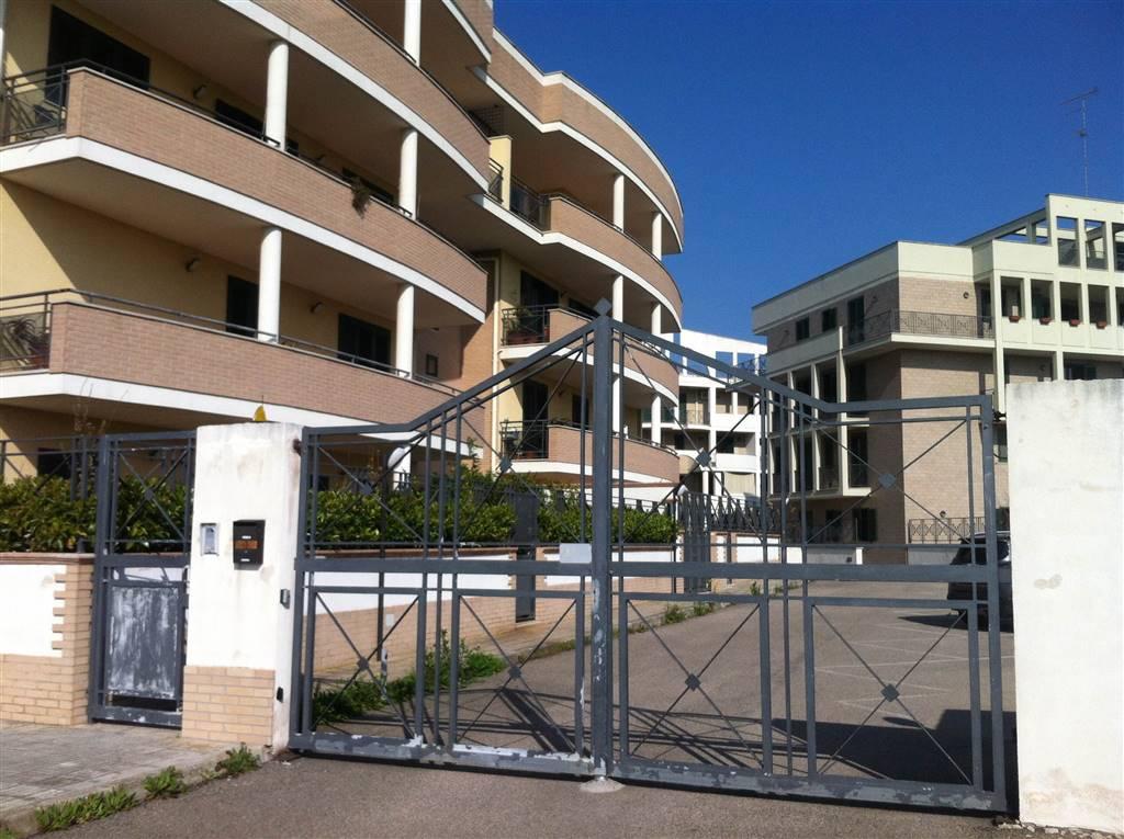 Ufficio / Studio in affitto a Lecce, 3 locali, zona Zona: Zona Conservatorio, prezzo € 600 | CambioCasa.it