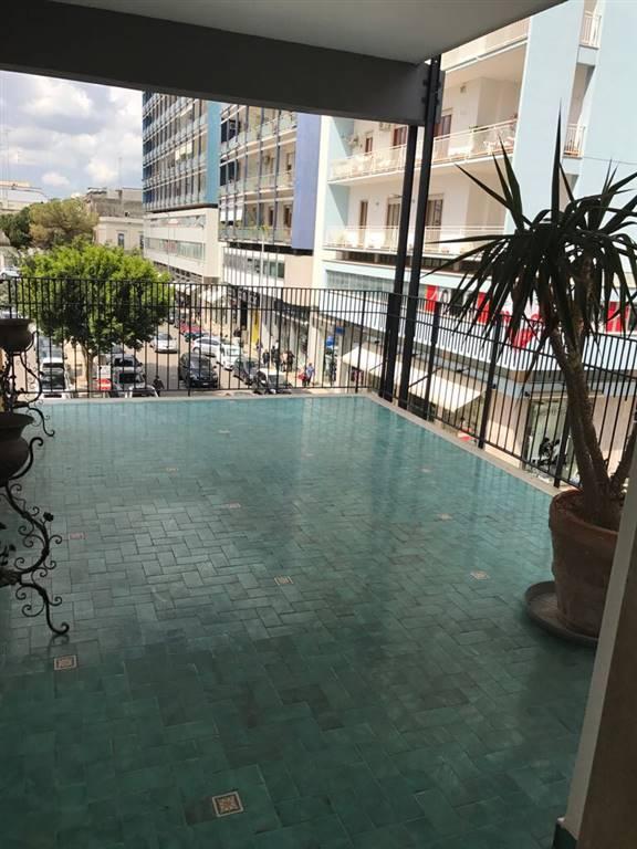 Appartamento in affitto a Lecce, 6 locali, zona Zona: Mazzini, prezzo € 700 | CambioCasa.it