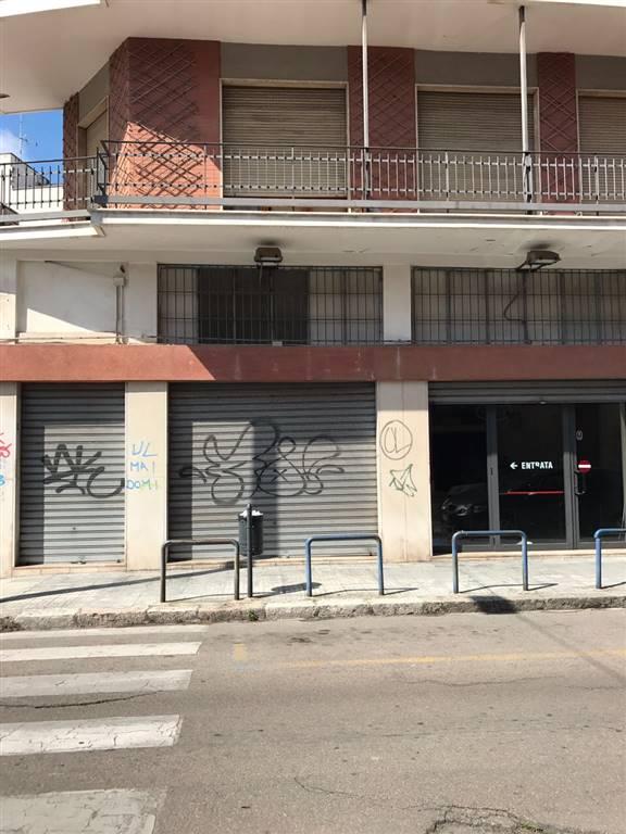 Negozio / Locale in affitto a Lecce, 1 locali, zona Zona: P. Ariosto, prezzo € 1.650 | CambioCasa.it