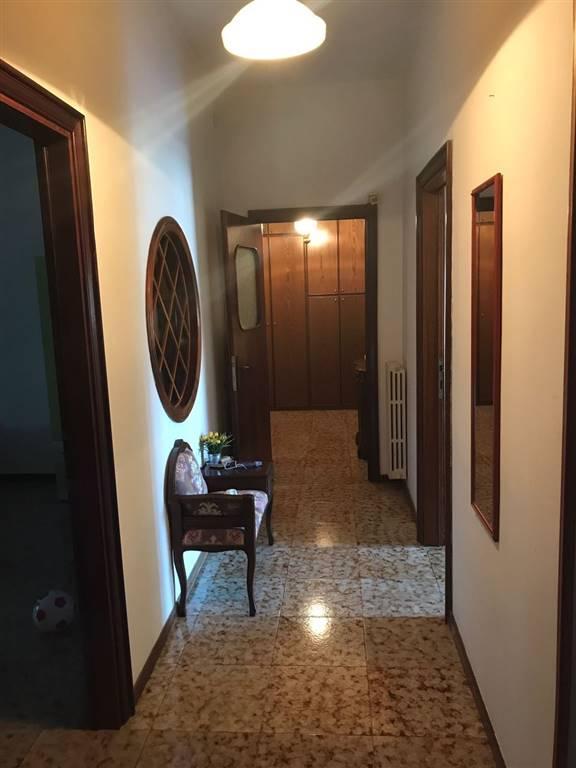 Appartamento in affitto a Lecce, 5 locali, zona Zona: Salesiani, prezzo € 650 | CambioCasa.it