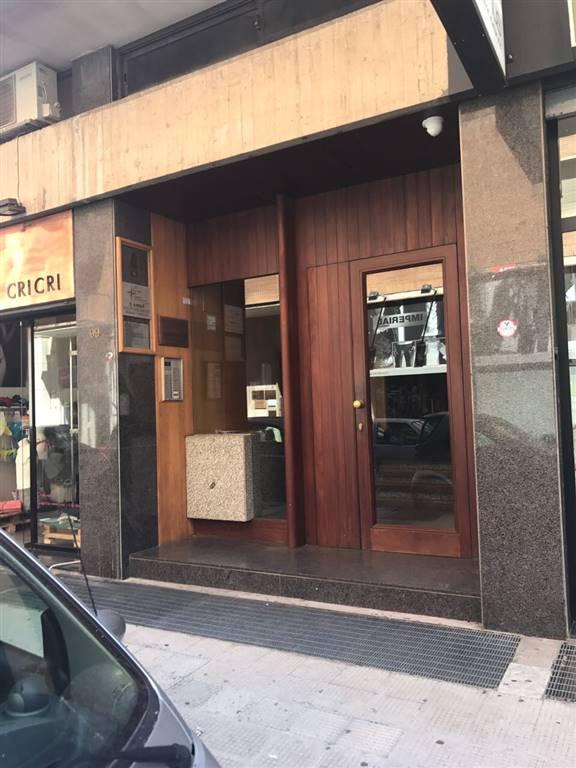 Appartamento in affitto a Lecce, 4 locali, zona Zona: Mazzini, prezzo € 850 | CambioCasa.it