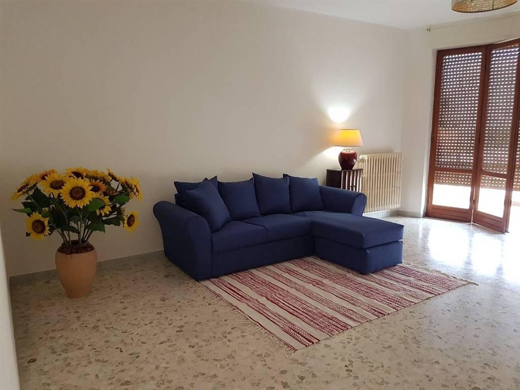 Appartamento in affitto a Lecce, 4 locali, zona Zona: P. Ariosto, prezzo € 600   CambioCasa.it