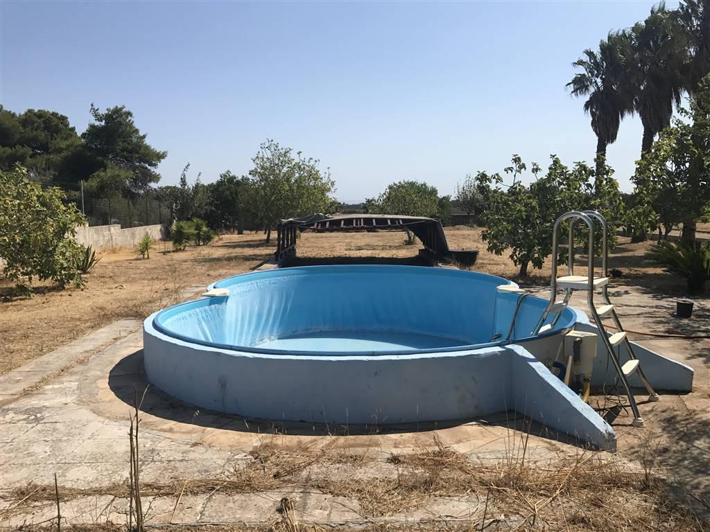 Villa in vendita a Vernole, 5 locali, zona Località: ACQUARICA DI LECCE, prezzo € 175.000   CambioCasa.it