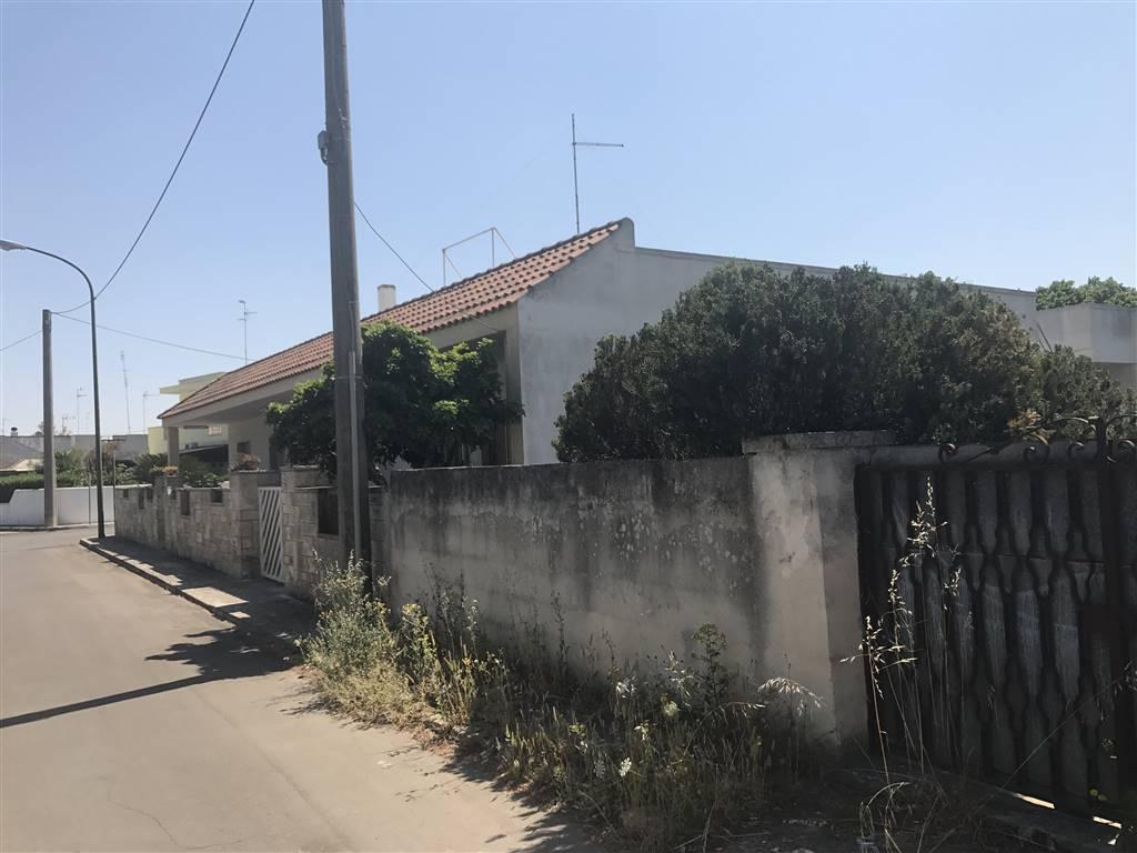 Terreno Edificabile Residenziale in vendita a Cavallino, 9999 locali, zona Zona: Castromediano, prezzo € 80.000 | CambioCasa.it