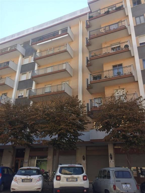 Negozio / Locale in affitto a Lecce, 1 locali, zona Zona: P. Partigiani , prezzo € 500 | CambioCasa.it