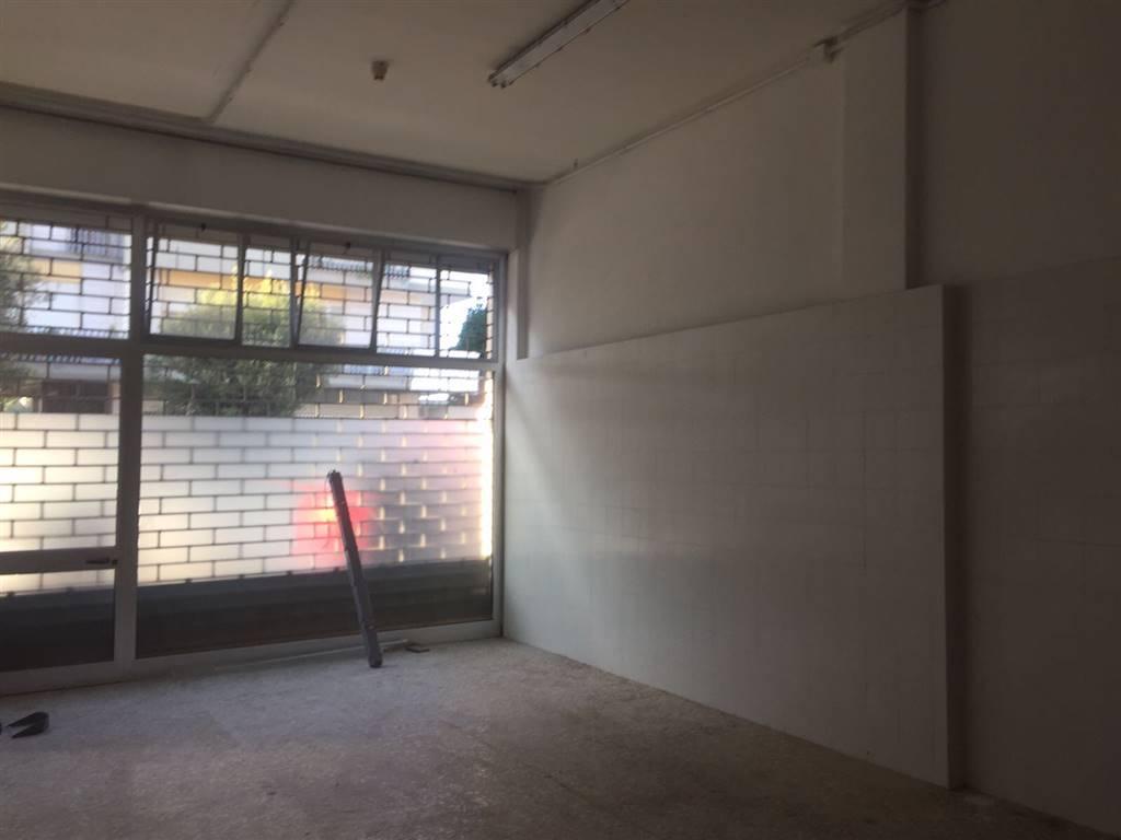 Negozio / Locale in affitto a Lecce, 2 locali, zona Zona: P. Partigiani , prezzo € 1.500 | CambioCasa.it