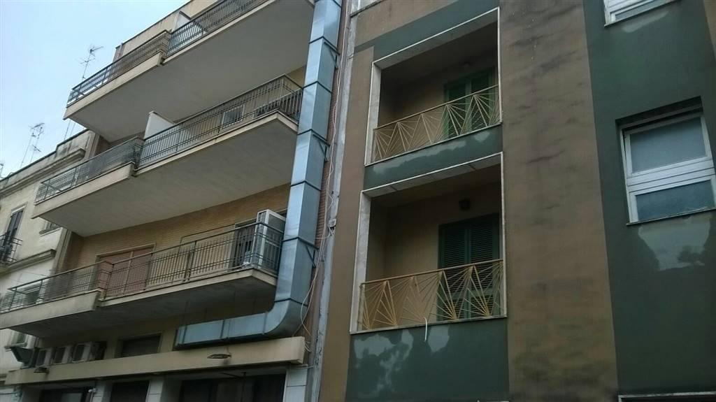 Ristorante / Pizzeria / Trattoria in affitto a Lecce, 9999 locali, zona Zona: Rudiae, prezzo € 800   CambioCasa.it